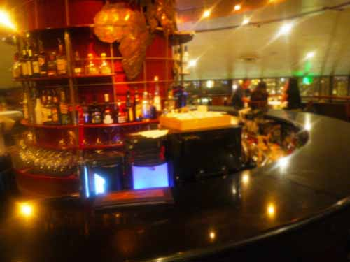 Top of Waikiki_Bar counter