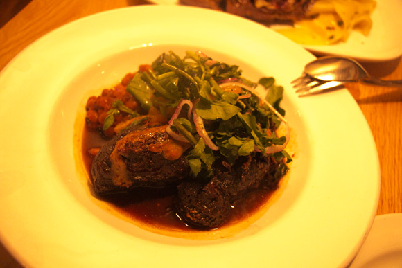 ほほ肉(Waialua Root Beer Braised Maui Cattle Co. Beef Cheeks)26ドル